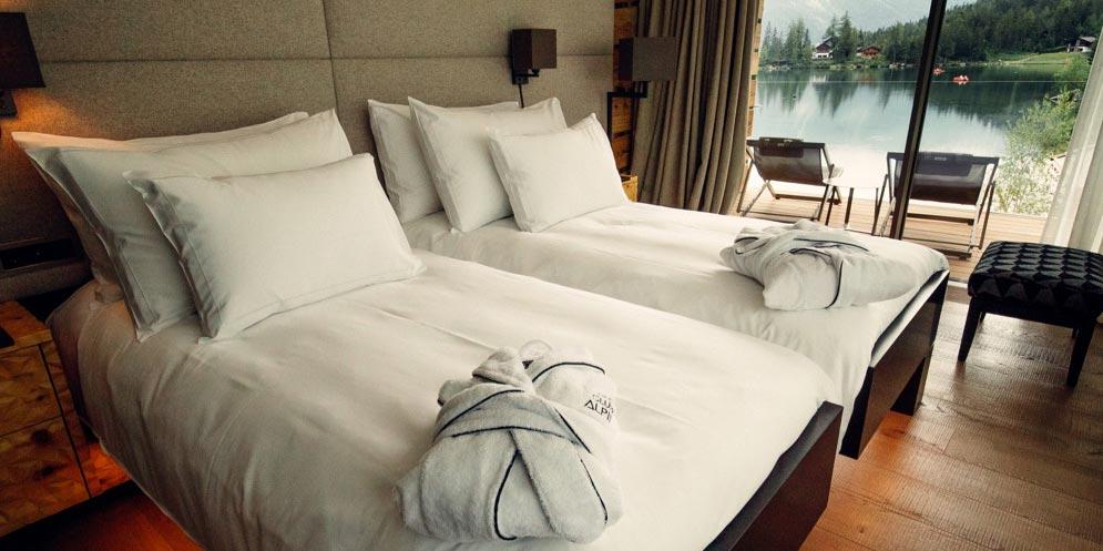 """ES Aca 5760 chamre hotel vtc 20 06 001 - L'hôtel """"Au Club Alpin"""" à Champex"""