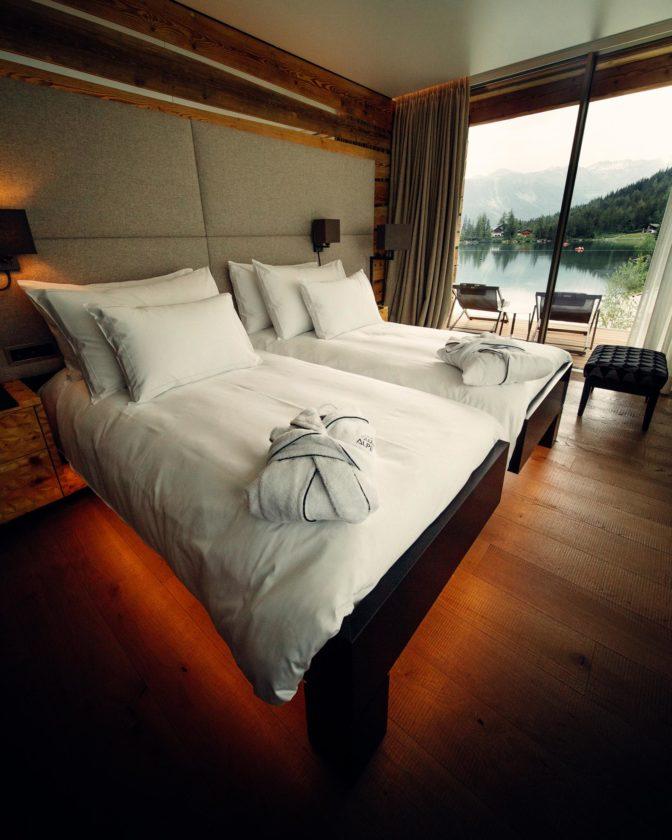 ES Aca 5760 chamre hotel vtc 20 06 008 672x840 - Les chambres du Club Alpin