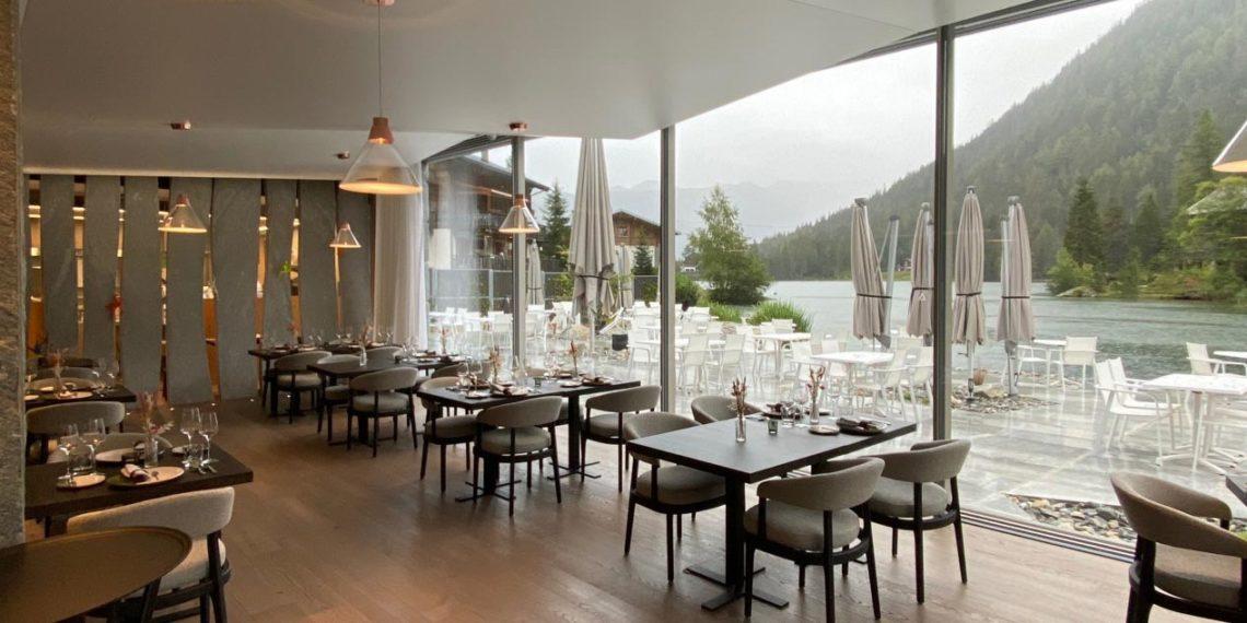 """ES Aca 5760 restaurant mea 20 08 015 1140x570 - L'hôtel """"Au Club Alpin"""" à Champex"""