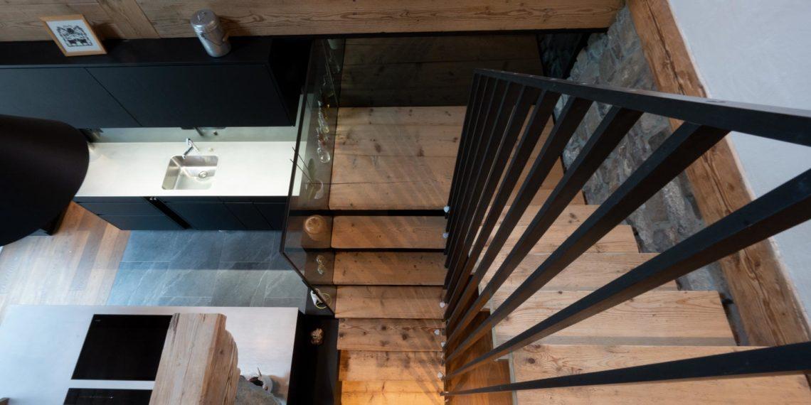 ES For 8389 cuisine escalier mea 21 02 0014 1140x570 - L'habitat personnalisé