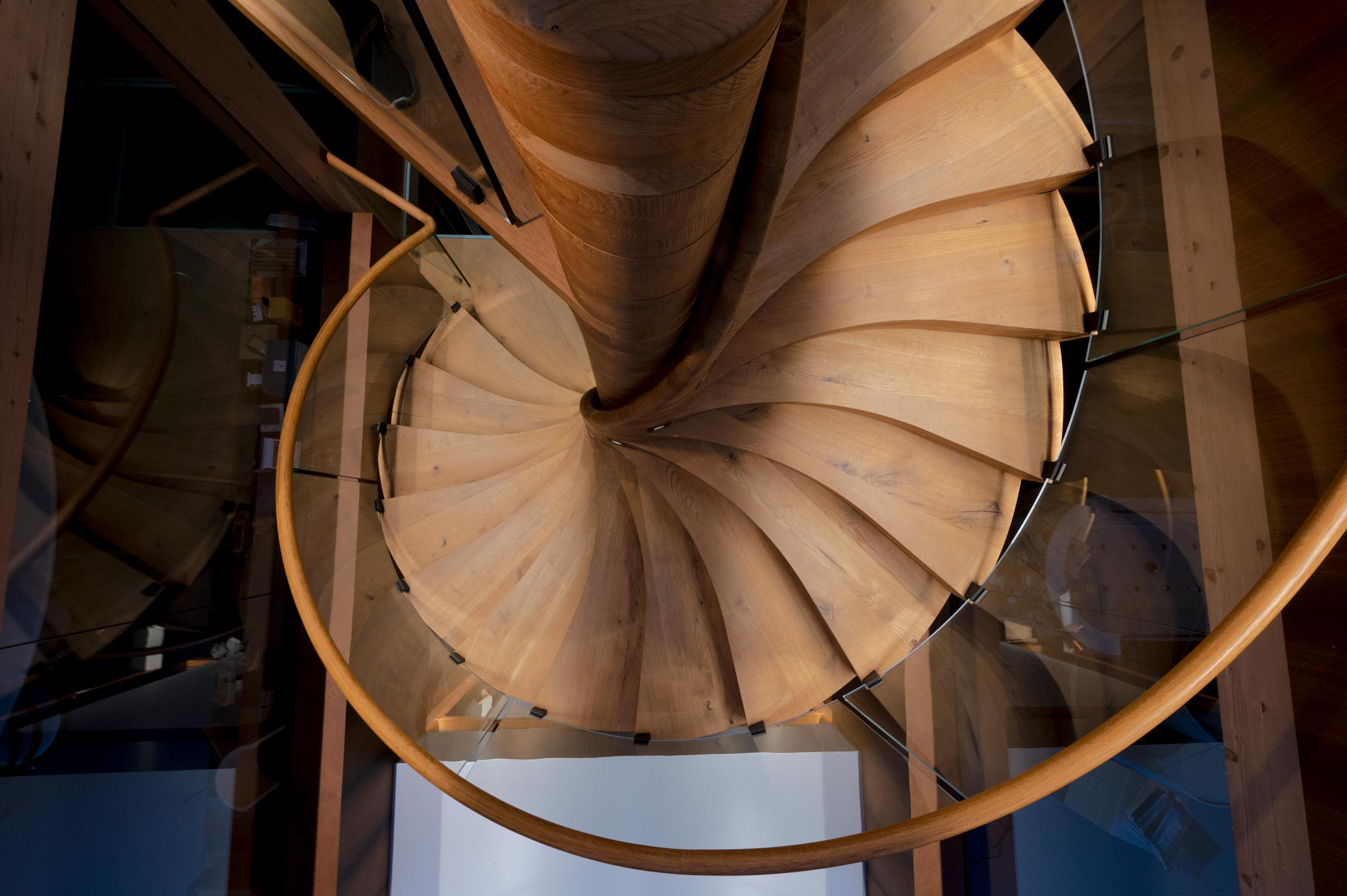 ES ShowR escalier hor 21 02 1024 - Escalier Showroom ESKISS