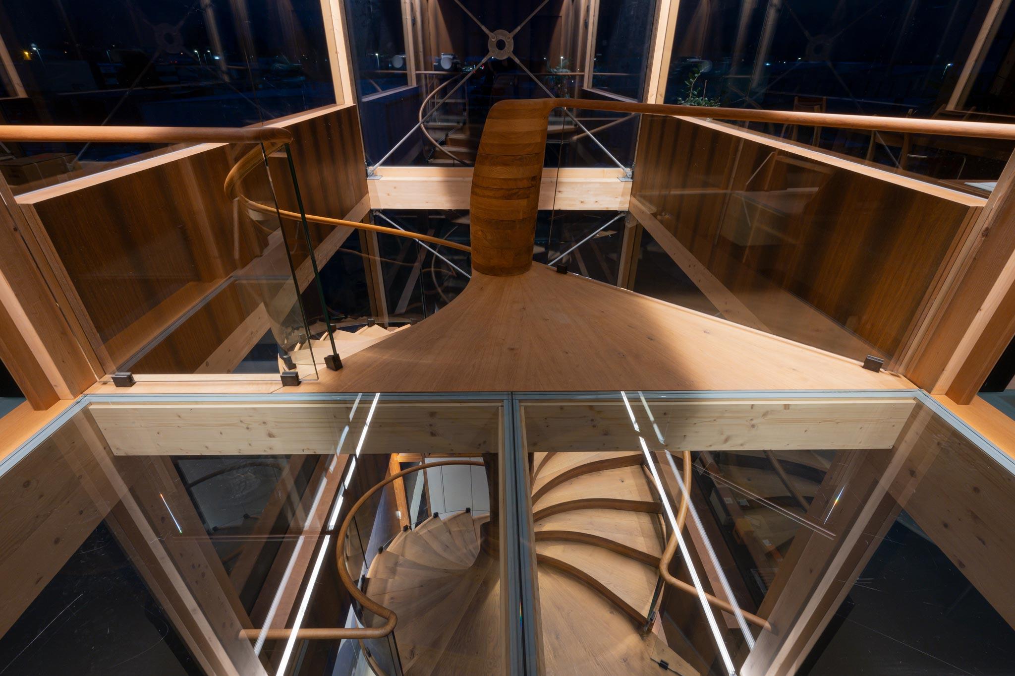 ES ShowR escalier hor 21 02 1027 - Escalier Showroom ESKISS
