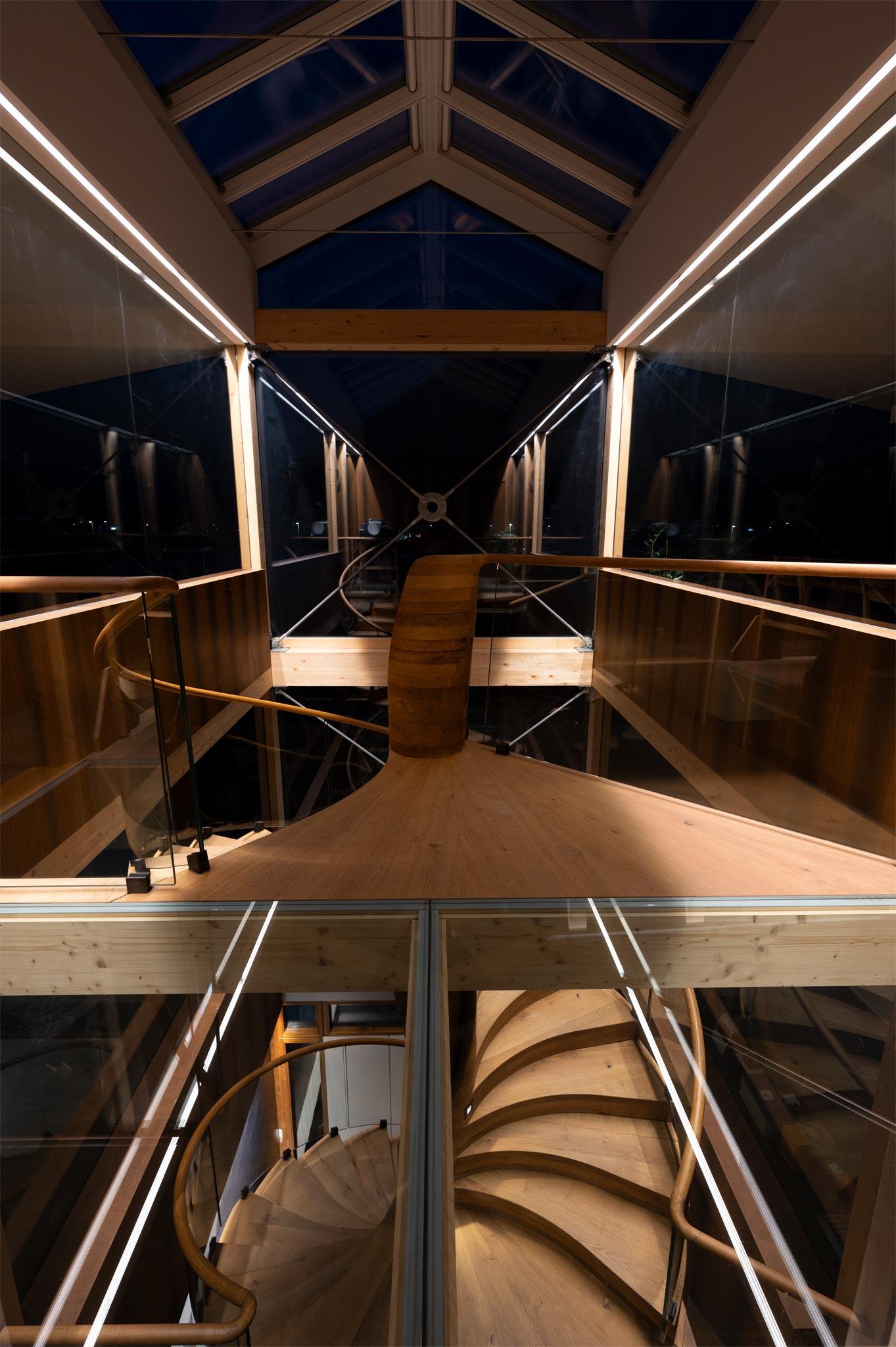 ES ShowR escalier vtc 21 02 1037 - Escalier Showroom ESKISS